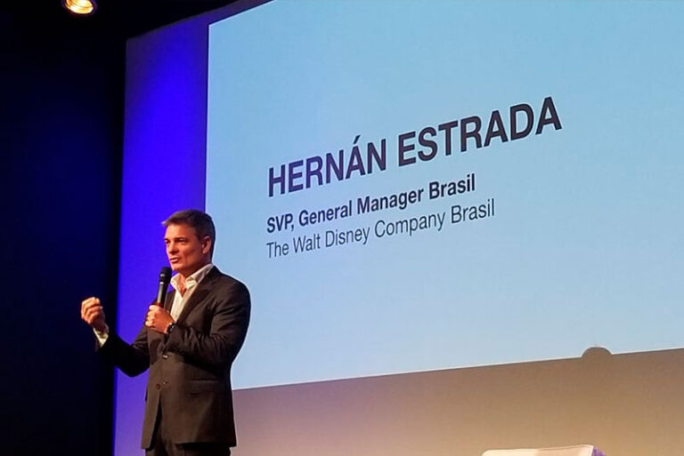 Translation of Hernán Estrada, Disney Brasil.